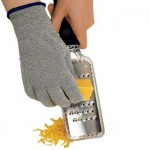 microplane-cut-resistant-kitchen-gloves-3
